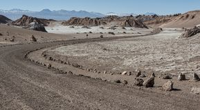 Δρόμος Valle de Λα Luna Moon στην κοιλάδα στην έρημο Atacama κοντά σε SAN Pedro de Atacama, Antofagasta - Χιλή Στοκ φωτογραφίες με δικαίωμα ελεύθερης χρήσης