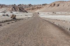 Δρόμος Valle de Λα Luna Moon στην κοιλάδα στην έρημο Atacama κοντά σε SAN Pedro de Atacama, Antofagasta - Χιλή Στοκ φωτογραφία με δικαίωμα ελεύθερης χρήσης