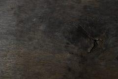 Δρύινος ξύλινος πίνακας με σκοτεινό καφετή Ξύλινη κοκκιώδης σύσταση αμυγδαλιών στοκ εικόνες