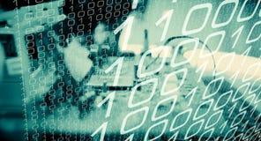 Δυαδική επίθεση spyware επιτιθεμένων Cyber διανυσματική απεικόνιση