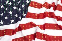 Δυαδικός κώδικας με την αμερικανική σημαία, έννοια προστασίας δεδομένων Στοκ εικόνα με δικαίωμα ελεύθερης χρήσης