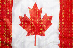 Δυαδικός κώδικας με τη σημαία του Καναδά, έννοια προστασίας δεδομένων Στοκ Εικόνα