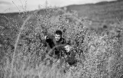 Δυνάμεις στρατού Κάλυψη Μόδα στρατιωτικών στολών Δεξιότητες κυνηγιού και εξοπλισμός όπλων Πώς κυνήγι στροφής στο χόμπι o στοκ εικόνες
