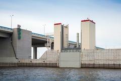 Δυνατότητα πρόληψης πλημμυρών των Αγίων Πετρουπόλεων σύνθετη Στοκ εικόνες με δικαίωμα ελεύθερης χρήσης