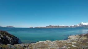 Δυνατό τοπίο ανοικτής θάλασσας που φιλτράρει στο δικαίωμα φιλμ μικρού μήκους