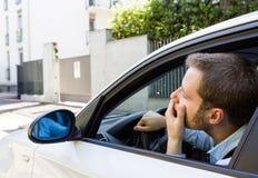 Δυστυχισμένος οδηγός στο αυτοκίνητό του Στοκ φωτογραφίες με δικαίωμα ελεύθερης χρήσης