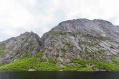 Δυτική λίμνη ρυακιών στο εθνικό πάρκο Gros Morne, νέα γη Στοκ Εικόνες