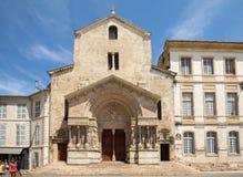 Δυτική πρόσοψη του καθεδρικού ναού Αγίου Trophime σε Arles, Γαλλία Bouches-du-Ροδανός, Γαλλία Στοκ φωτογραφία με δικαίωμα ελεύθερης χρήσης