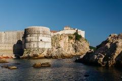 Δυτικοί λιμάνι και πύργος Bokar σε Dubrovnik, Κροατία Στοκ Εικόνες
