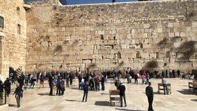 Δυτικός τοίχος ή wailing τοίχος ή Kotel στην Ιερουσαλήμ Οι άνθρωποι έρχονται να προσεηθούν στο δυτικό τοίχο της Ιερουσαλήμ Ο τοίχ απόθεμα βίντεο