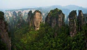 Δυτικό διάσημο χωριό Zhangjiajie Huangshi βουνών της Κίνας hunan Στοκ Φωτογραφία
