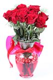 δωδεκάδ κόκκινο vase τριαντά&phi στοκ φωτογραφία με δικαίωμα ελεύθερης χρήσης