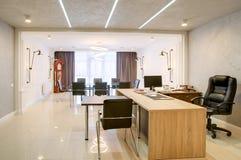 Δωμάτιο γραφείων για τις διαπραγματεύσεις και τις συνεδριάσεις Στοκ Εικόνες