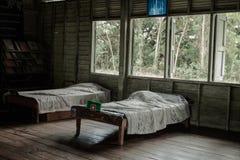 Δωμάτιο θαλάμων στο παλιό σχολείο στοκ φωτογραφία