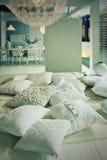 δωμάτιο μαξιλαριών διαβίωσης Στοκ εικόνα με δικαίωμα ελεύθερης χρήσης