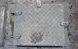 Δωμάτιο με μια πόρτα σιδήρου Στοκ εικόνες με δικαίωμα ελεύθερης χρήσης