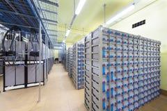 Δωμάτιο με τα καλώδια και το εφεδρικό ηλεκτρικό σύστημα. στοκ εικόνες