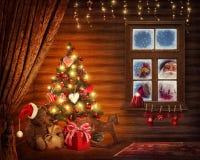 Δωμάτιο με το χριστουγεννιάτικο δέντρο Στοκ εικόνα με δικαίωμα ελεύθερης χρήσης