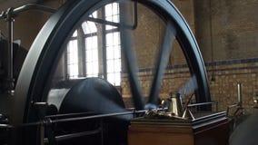 Δωμάτιο μηχανών του ιστορικού αντλιοστασίου ατμού φιλμ μικρού μήκους