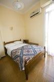 δωμάτιο ξενοδοχείου ενιαίο στοκ φωτογραφία