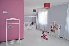 Δωμάτιο παιδιών δωματίων πριγκηπισσών δωματίων Babygirl στοκ εικόνες