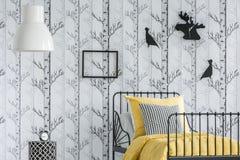 Δωμάτιο παιδιών με το δασικό μοτίβο Στοκ εικόνες με δικαίωμα ελεύθερης χρήσης