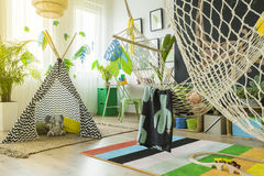 Δωμάτιο παιχνιδιού παιδιών με τη σκηνή Στοκ Εικόνες