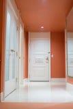 δωμάτιο πορτών στοκ φωτογραφία με δικαίωμα ελεύθερης χρήσης