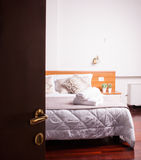 Δωμάτιο του ξενοδοχείου Ares Στοκ εικόνα με δικαίωμα ελεύθερης χρήσης
