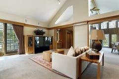 Δωμάτιο Famly με την ξύλινη περιποίηση στοκ εικόνες