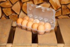 Δωδεκάδα από τα καφετιά αυγά Στοκ Εικόνα