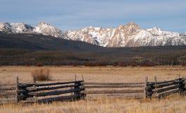δόντι πριονιού βουνών στοκ εικόνα με δικαίωμα ελεύθερης χρήσης