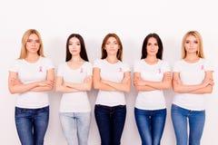 Δύναμη γυναικών, δύναμη, είμαστε μαχητές, μπορούμε να το κάνουμε από κοινού! Γ στοκ εικόνα