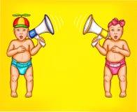 Δύο έκπληκτα αγοράκι και κορίτσι με τα μεγάφωνα διανυσματική απεικόνιση