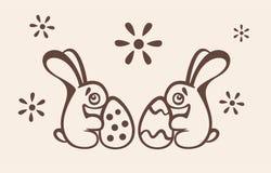 Δύο λαγουδάκια Πάσχας κρατούν τα αυγά Στοκ φωτογραφίες με δικαίωμα ελεύθερης χρήσης