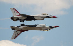 Thunderbirds στο σχηματισμό Στοκ εικόνα με δικαίωμα ελεύθερης χρήσης