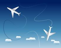 Δύο αεροπλάνα και σύννεφα Στοκ φωτογραφίες με δικαίωμα ελεύθερης χρήσης