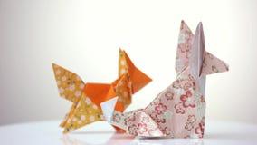 Δύο αλεπούδες origami φιλμ μικρού μήκους