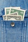 Δύο αμερικανικά δολάρια στην τσέπη τζιν Στοκ Εικόνες