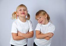 Δύο αστεία κορίτσια Στοκ Εικόνες