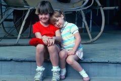 Δύο λατρευτά μικρά κορίτσια Στοκ Φωτογραφία