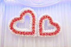 Δύο γαμήλιες καρδιές στοκ εικόνες