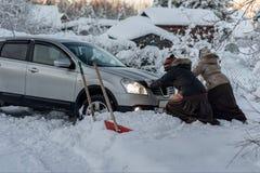 Δύο γυναίκες αναγκάζουν Στοκ φωτογραφίες με δικαίωμα ελεύθερης χρήσης