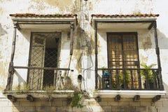Δύο εκλεκτής ποιότητας μπαλκόνια σε ένα αποικιακό σπίτι σε Santo Domingo, Δομινικανή Δημοκρατία Στοκ Εικόνες