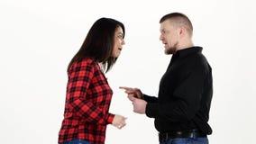 Δύο ενήλικοι ανακαλύπτουν τη σχέση και τη στροφή άσπρος απόθεμα βίντεο
