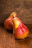 Δύο εύγευστα αχλάδια Στοκ εικόνες με δικαίωμα ελεύθερης χρήσης