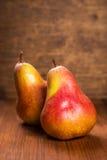Δύο εύγευστα αχλάδια Στοκ φωτογραφία με δικαίωμα ελεύθερης χρήσης