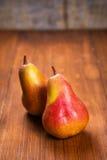 Δύο εύγευστα αχλάδια Στοκ φωτογραφίες με δικαίωμα ελεύθερης χρήσης