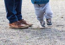 Δύο ζευγάρια των ποδιών, Στοκ εικόνα με δικαίωμα ελεύθερης χρήσης