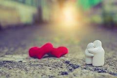 Δύο η κόκκινη καρδιά, κάρτα ημέρας βαλεντίνων, σας αγαπά, σ' αγαπώ Στοκ φωτογραφίες με δικαίωμα ελεύθερης χρήσης